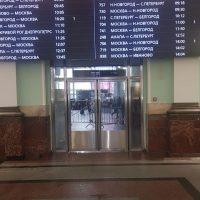 Изготовление маятниковых дверей для Курского вокзала