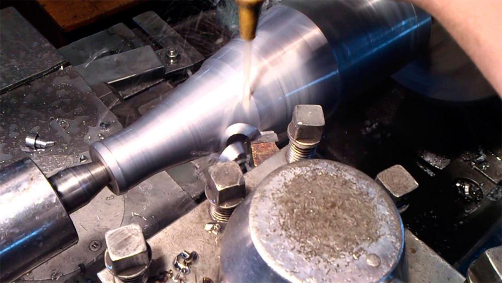 токарная обработка конических поверхностей
